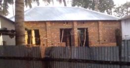 আটঘরিয়ায় মুক্তিযোদ্ধার জায়গা দখল করে ঘর নির্মাণের অভিযোগ