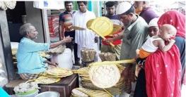 তীব্র তাপদাহে সুজানগরে বেড়েছে তালপাখার কদর