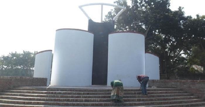 সাতবাড়িয়ায় নির্মিত হচ্ছে সুজানগরের সর্ববৃহৎ শহীদ মিনার