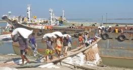 নগরবাড়ী নৌবন্দরে মারাত্মক স্বাস্থ্যঝুঁকিতে পাঁচ হাজার শ্রমিক