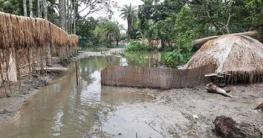 ক্যানেল দখলে জলাবদ্ধতা : আড়াই কিলোমিটার সড়কে খৈরাশবাসীর ভোগান্তি