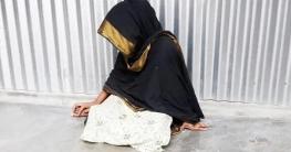 সুজানগরে বিয়ের দাবিতে প্রেমিকের বাড়িতে অনশন